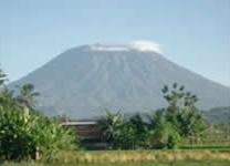 De berg Gunung Agung op Bali.