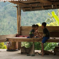 Spelende kinderen op Bali.