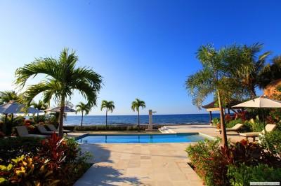 Zwembad en Bali Zee