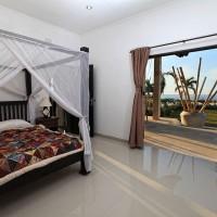 Alle drie de slaapkamers hebben toegang tot het terras.