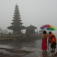 Bezoek tijdens je verblijf op Bali één van de vele tempels.
