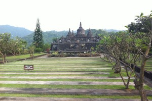 Bezoek de tempels op Bali.