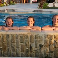 Ook kinderen vinden het zwembad van het vakantiehuis op Bali heerlijk.